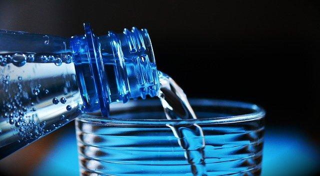 1日に1500ccの水を飲む